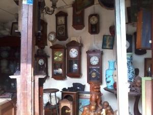 barang antik - jam dinding